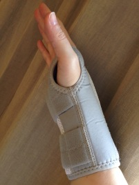 Wrist brace Wellgate grey - 2