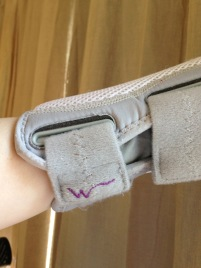 Wrist brace Wellgate grey - 3