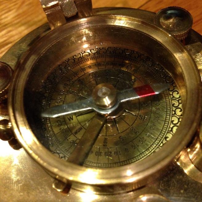 compass brass golden - 1