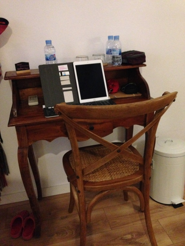 K780 on desk in El Pla de Penedes, Spain