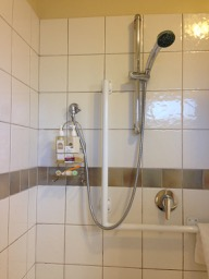 NZ Motel Roma on Riccarton - bath shower grab bar