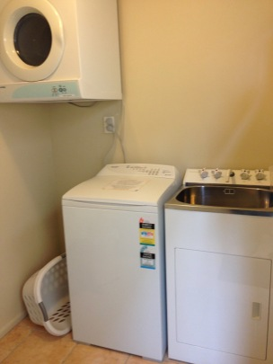 NZ Motel Roma on Riccarton - guest laundry room