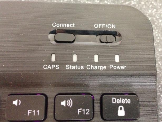 Travel bluetooth keyboard Arteck - power buttons backlight