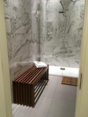 DUB 51st & Green shower