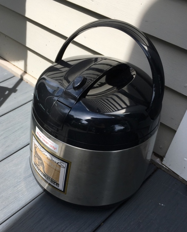 Saratoga Jacks 5.5 L Thermal Cooker sitting on deck
